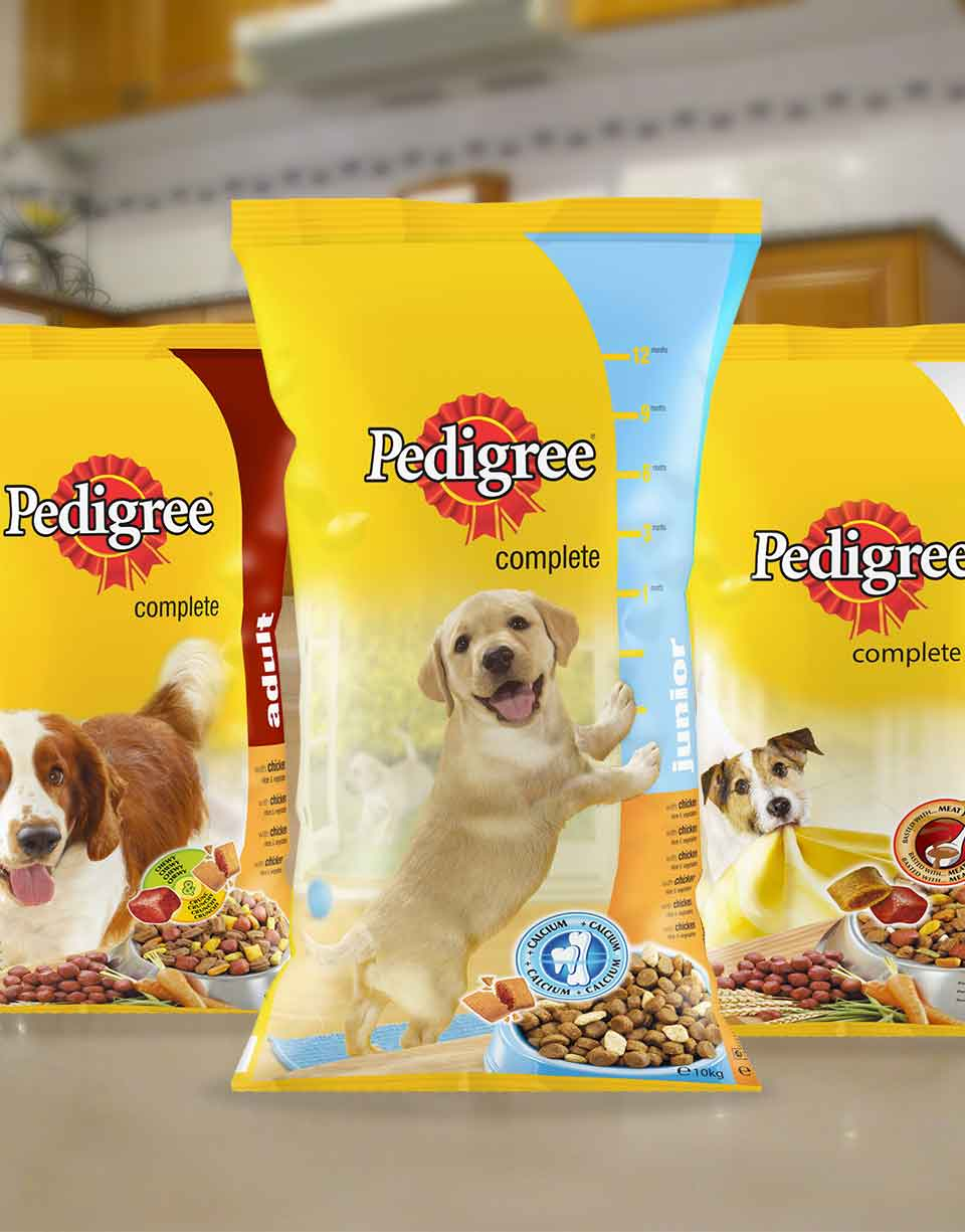 Pedigree dry dog food packaging